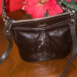 COACH💕 Ashley hobo dark brown patent leather